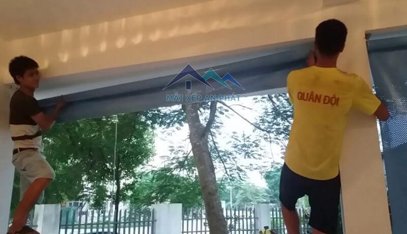 Khâu gắn bạt lên tường để sử dụng