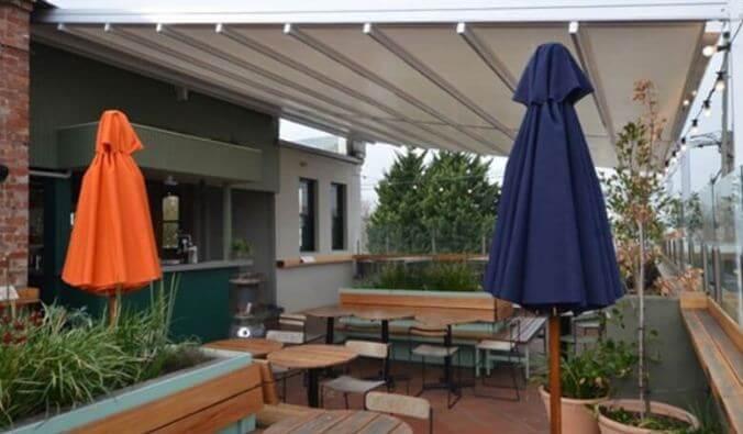 Mẫu thiết kế mái che sân vườn kiểu 6