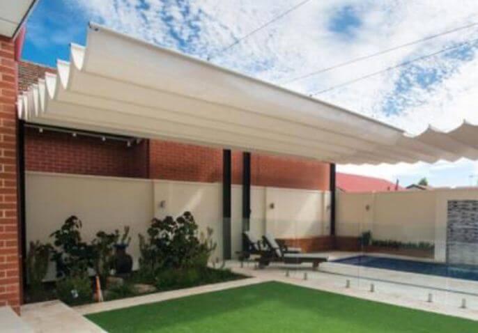 Mẫu thiết kế mái che sân vườn kiểu 2