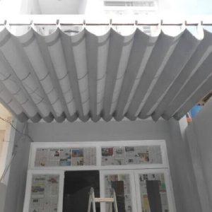 mẫu mái xếp lượn sóng màu trắng